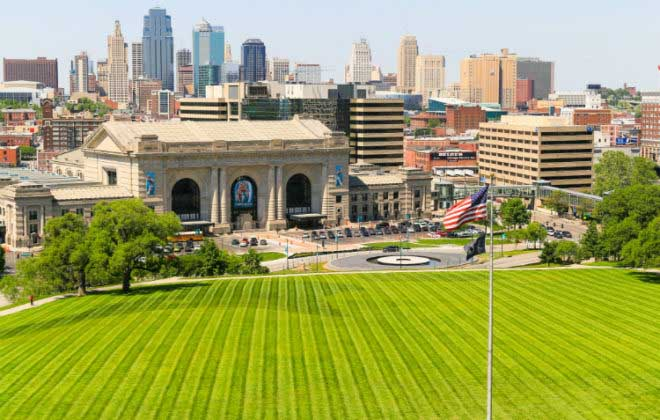 Go green with your volunteer hours in Kansas City, Missouri.