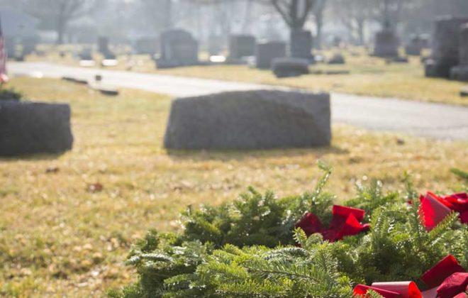 wreath on veteran grave